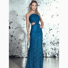 Um 'long dress' sinônimo de feminilidade e sensualidade!😱Arrase com essemodelo super 'classy'#reginasalomao #SummerVibesRS #SS17