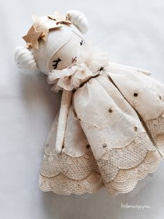 Little Miss Tippy Toes Softies, Little Girl Toys, Toys For Girls, Doll Crafts, Diy Doll, Raggy Dolls, Baby Sewing Projects, Fabric Toys, Bear Doll