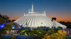 Space Mountain - Magic Kingdom.  A clássica montanha-russa espacial, indoor e no escuro. Perto das montanhas mais modernas, fica difícil competir, mas um clássico é sempre um clássico!