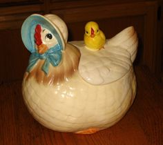 Chicken and chick cookie jar