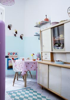 Me gusta la mezcla de colores pastel, dan alegría a una cocina