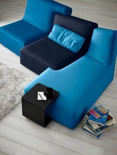 Ligne Roset Sofa modulares sofa blau philippe nigro