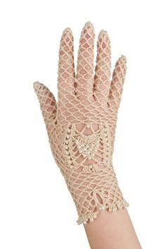 Crochet gloves ♪ ♪ ... #inspiration #diy GB http://www.pinterest.com/gigibrazil/boards/