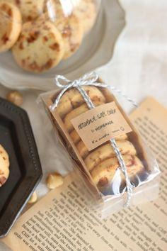 Bake Sale Packaging, Baking Packaging, Bread Packaging, Dessert Packaging, Food Packaging Design, Coffee Packaging, Bottle Packaging, Cookie Box, Cookie Gifts
