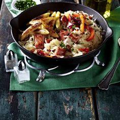 Sauerkrautpfanne mit Kasseler, Paprika und Schupfnudeln Rezept