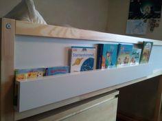 Bücheraufbewahrung am Hochbett