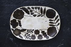 Makoto-Kagoshima-ceramic-each piece is one of a kind - some motifs may resurface, kagoshima never repeats a pattern Chariots Of Fire, Collections Of Objects, Kagoshima, Easy Art Projects, Fire Art, Japanese Ceramics, Art Music, Textures Patterns, Japanese Art