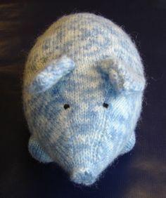 Et voici l'animal : Choisir une laine et des aiguilles qui forment un tricot assez dense pour que le bourrage ne sorte pas par les trous des mailles. Ici, j'ai pris des aiguilles n°3. Il vous faut 4 marqueurs (à défaut, faire une boucle fermée d'un nœud...