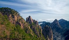 Huangshan (Yellow Mountain) - China - News - Bubblews Chinese Mountains, World Pictures, China Travel, Winter Travel, World Heritage Sites, Places To Travel, Scenery, Photos, Social Networks