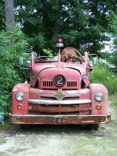 Old Trucks, Fire Trucks, Chariots Of Fire, Fire Horse, Rusty Cars, Fire Apparatus, Abandoned Cars, Hood Ornaments, Fire Engine