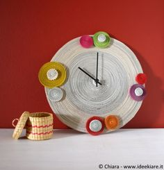 """Corrugated cardboard wall clock """"To all - Best Paper Quilling Designs Paper Quilling Designs, How To Make Wall Clock, Newspaper Crafts, Diy Clock, Diy Projects To Try, Diy Paper, Diy Wall, Diy Tutorial, Pottery"""