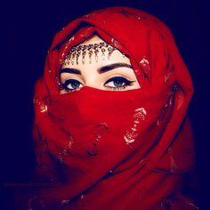 girl fashion eyes muslim blue eyes woman Make up islam dubai arabic arab arabian uae Hijabi Hijab middle east Muslimah KSA abaya niqab united arab emirates muslima niqabi khaleeji Ameerah Niqab Fashion, Girl Fashion, Fashion Design, Fashion Ideas, Islamic Fashion, Muslim Fashion, Muslim Girls, Muslim Women, Beautiful Hijab