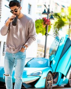 Partnered up with to show you How to wear the SAME jeans 7 different ways for every day of the week…yes its gross but if you're on… Mdv Style, Style Casual, Casual Street Style, Men Casual, Teaching Mens Fashion, Mens Fashion Blog, Men's Fashion, Stylish Mens Outfits, Casual Outfits