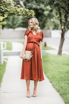 Bronze - Maternity Style - Dressing the Bump - Schwanger Pregnancy Looks, Pregnancy Outfits, Pregnancy Dress, Early Pregnancy, Pregnancy Fashion, Stylish Maternity, Maternity Wear, Maternity Dresses Summer, Maternity Fashion Wedding