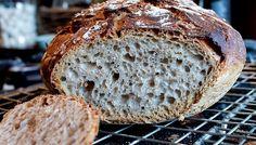 Fru Timian | En matblogg med deilig mat for hele familien | Eltefritt brød med fullkornshvetemel