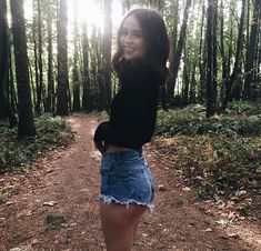 Beautiful Acacia Brinley Photos Style You Need To Know Foto Casual, Selfie Poses, Photos Tumblr, Foto Pose, Instagram Worthy, Tumblr Girls, Belle Photo, Girl Photos, Portrait Photography
