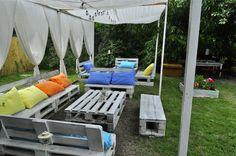 Pallet in the garden : planter + bar +sofa #Garden, #Lounge, #Planter, #Sofa