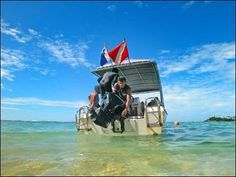 Unawatuna Diving Centre : Unawatuna Diving Centre, PADI Resort S-36133, offers the perfect holiday under and above the water. Our Dive Centre is located about 4 km south of Gal...