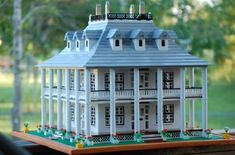LEGO Plantation house by Rita Stallings