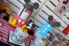 Angie F's Birthday / Mickey Mouse / Minnie Mouse - Photo Gallery at Catch My Party Mickey And Minnie Cake, Minnie Mouse Theme, Mickey Party, Mickey Mouse And Friends, Minnie Birthday, Retro Birthday, Mickey Vintage, Vintage Disney, Retro Party