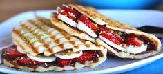 Kafe ve pastane menülerinin gözde lezzetini evinizde hazırlayacağınız Tost Makinesinde Pratik Waffle Tarifi, denemeniz önerisiyle sayfamızda bilgilerinize sunulmuştur. Özel waffle pişiricisi…