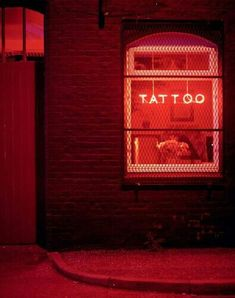 18 Ideas neon lighting photography signage for 2019 Rainbow Aesthetic, Aesthetic Colors, Aesthetic Grunge, Aesthetic Vintage, Neon Rouge, Neon Led, Neon Licht, I See Red, Light Photography