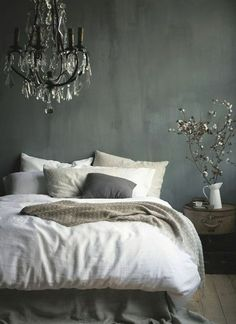 Gray as a wall paint: how beautiful is that!  #beautiful #paint Stay In Bed, Spring Home Decor, Flower Canvas Art, Morning Bed, Monday Morning, White Flowers, Flower Decorations, Farmhouse Style, Tapestry