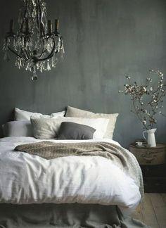 schlafzimmer graue wndgestaltung weiße bettwäsche ähnliche tolle Projekte und Ideen wie im Bild vorgestellt findest du auch in unserem Magazin . Wir freuen uns auf deinen Besuch. Liebe Grüße