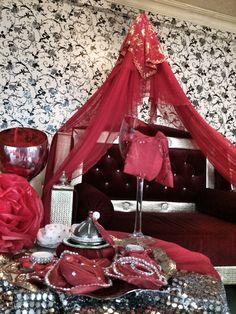 Kinagecesi organizasyon kina tahti bindalli - kaftan- henna night- hen party- purple- bridal- turkish bridal shower- traditional wedding- before wedding day- kina- turkish bride- culture- kina gecesi- masa duzeni- pembe- tablesclape