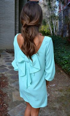 Love that bow back dress!