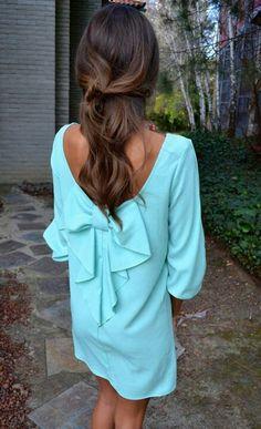 Love that bow back dress!