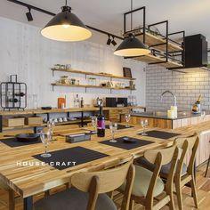 """ハウスクラフト on Instagram: """". ブルックリンを取り入れたダイニングキッチン。 . 白の板壁、サブウェイタイル、天然木の組み合わせが ラフな空間を演出します。 . ---------------------------------------------------- more photos...>>…"""" Kitchen Reno, Home Kitchens, Conference Room, Table, House, Furniture, Home Decor, Kitchens, Arquitetura"""