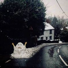 Jabba the Snowman - Humour Spot Funny Photos, Funny Images, Funniest Photos, Haha, Funny Snowman, Snow Sculptures, Snow Art, Arte Horror, Winter Fun