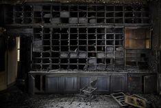 Les plus beaux lieux abandonnes en Italie The burnt library, Italy, 2011