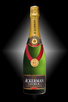 Saumur 1811 of the House of Ackerman - Chenin, Cabernet franc et Chardonnay - Fine and delicate bubbles with a persistent finish mixing freshness and sweet notes of honey. It was awarded a Gold Medal at the Wines of Saumur Competition.