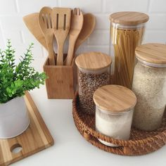 Die besten Lösungen für die Küchenorganisation The best solutions for kitchen organization Cuisine is everything for many women! Here, women can entertain family and friends with delicious meals and cookies. To realize this … house decoration Kitchen Organization Pantry, Home Organisation, Kitchen Storage, Organization Ideas, Organizing Solutions, Kitchen Styling, Diy Storage, Storage Solutions, Storage Ideas