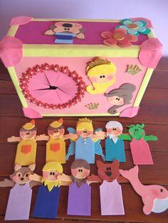CAIXA PARA CONTAÇÃO DE HISTORIAS. ACOMPANHA 04 HISTORIAS QUE SÃO ESCOLHIDAS PELA CLIENTE. MEDE: 40 CM X 25 CM. Kids Crafts, Diy And Crafts, Arts And Crafts, Bible Quiet Book, Puppet Crafts, English Activities, Mystery Box, Kids Education, Puppets