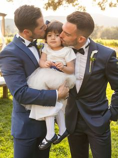 16 Sweet Couple Poses for Your Wedding Day Couple Photography Poses, Photography Photos, Wedding Photography, Cute Gay Couples, Couples In Love, Romantic Couples, Wedding Couple Pictures, Wedding Photos, Sweet Couple