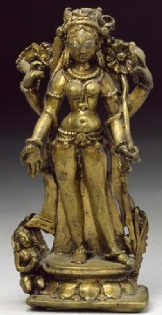 9th century, Himachal Pradesh, Chamba, 4-armed Tara with attendant, gilt copper alloy, 11,5 cm, at Ashmolean Museum, Oxford