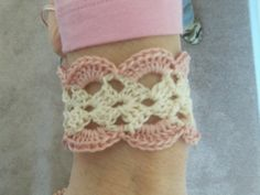 How to Crochet a Bracelet using embroidery thread (cotton) and a 3.5 hook