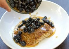 Pan-Seared Oatmeal with Blueberries. VEGAN!!!! Except for honey...meh.