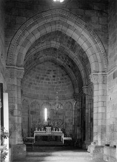 Capela-mor. Fotógrafo: Mário Novais, 1899-1967. Orientador científico: Mário Tavares Chicó, 1905-1966. Data aproximada da produção da fotografia original: 1954.  [CFT015.282.ic]