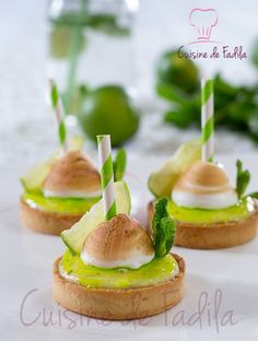 Food Rings Ideas & Inspirations 2017 - DISCOVER Tartelettes Mojito Discovred by : Marion Delanchy Fancy Desserts, Delicious Desserts, Dessert Recipes, Sweet Pie, Sweet Tarts, Tartelette Mojito, Mojito Recipe, Mini Cakes, Sweet Recipes