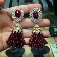 Indian Jewelry Earrings, Indian Jewelry Sets, Jewelry Art, Diamond Jewelry, Gemstone Jewelry, Jewelery, Jewelry Design, India Jewelry, Bridal Jewellery