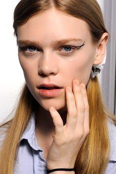 Tendencias de belleza el manicure nude unas neutro se impone este otono