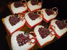 San Valentino: Cuori con leggera crema alla vaniglia e lamponi.