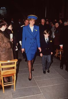 HRH PRINCESS OF WALES With her son HRH PRINCE WILLIAM At Llandaff Cathedral...
