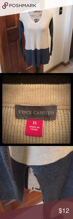 Vince Camuto sweater💕💕💕 This sweater is a sz XS/ gray & tan color/ slits on each side/ v-neck💕💕💕 Vince Camuto Sweaters V-Necks