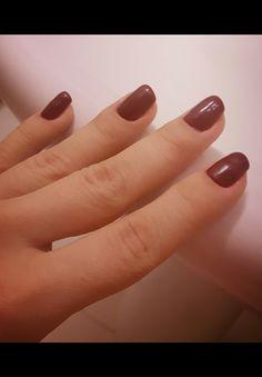 Burgundy fall nails
