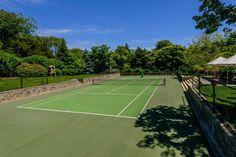 Sunken tennis court